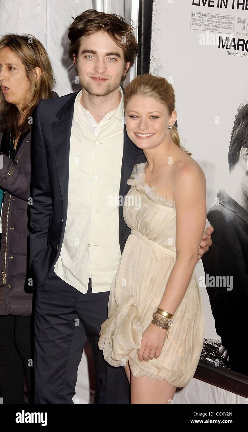 Robert pattinson and emily de ravin dating 2010