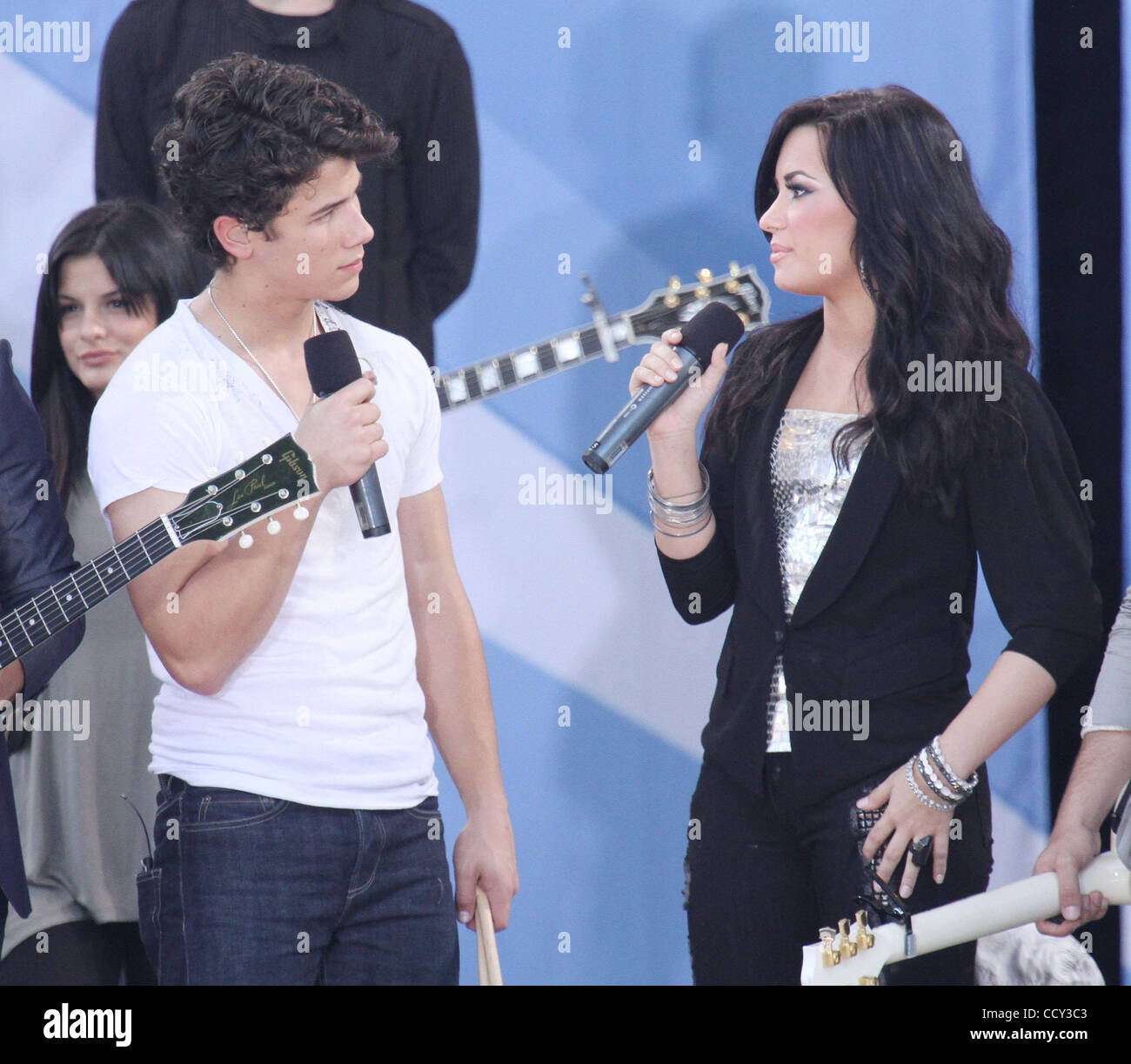 er Demi Lovato og Nick Jonas dating eksempel overskrifter for dating profil