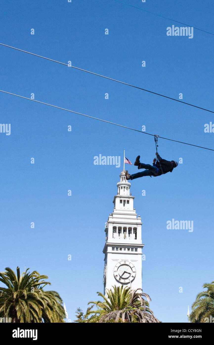 Apr 18, 2010 - San Francisco, California, U.S. - The 680 foot long urban zipline spanning across Justin Hermann - Stock Image