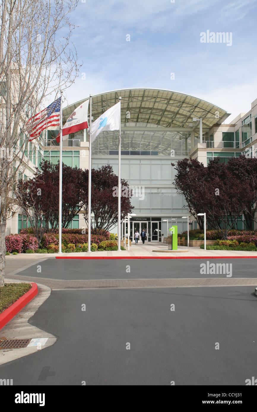 Cupertino apple office Executive Apple 31 2010 Cupertino California Us Worldwide Headquarters Of Apple Alamy Apple Hq Cupertino Stock Photos Apple Hq Cupertino Stock Images