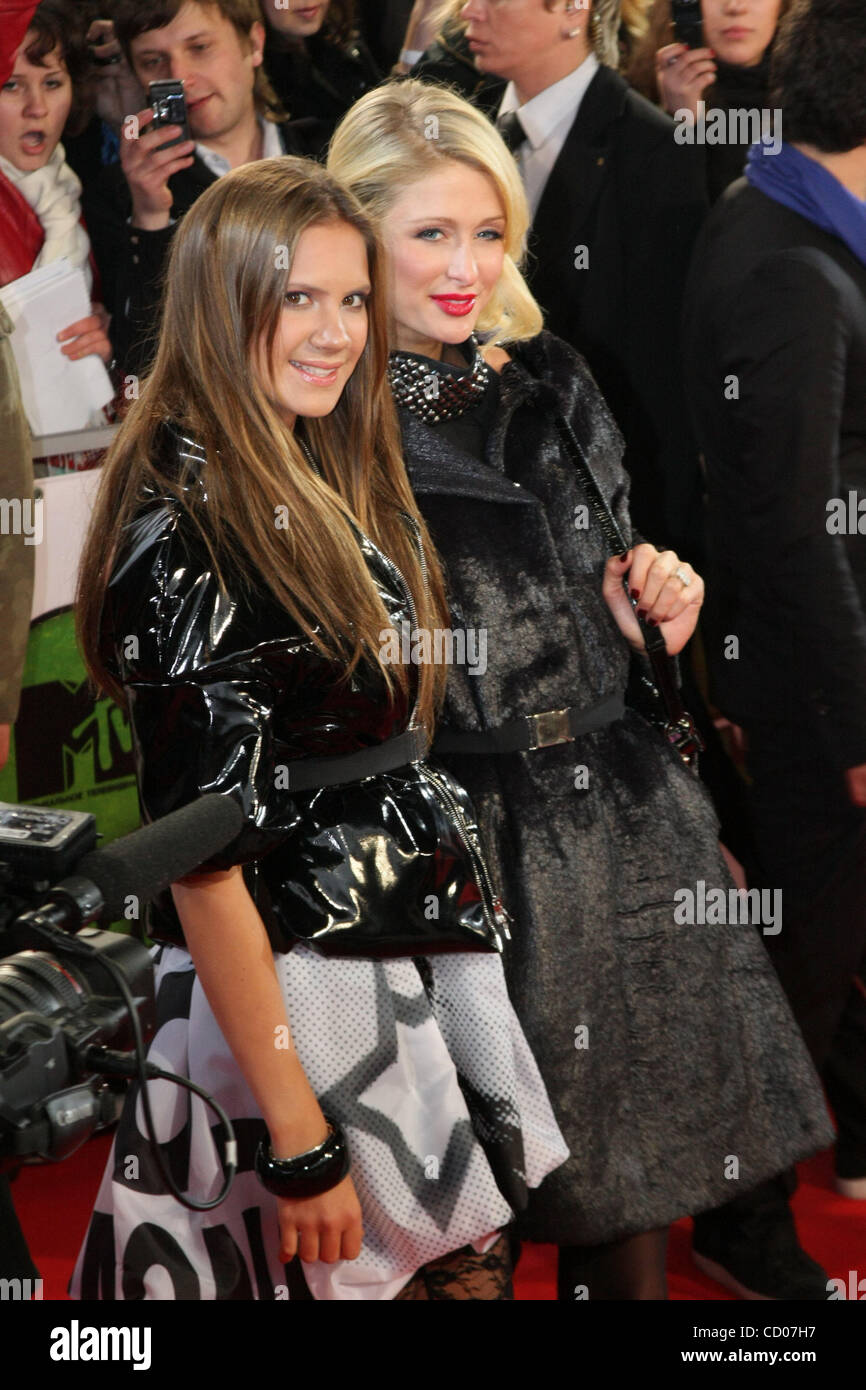 Paris Hilton And Kira Plastinina High Resolution Stock Photography And Images Alamy