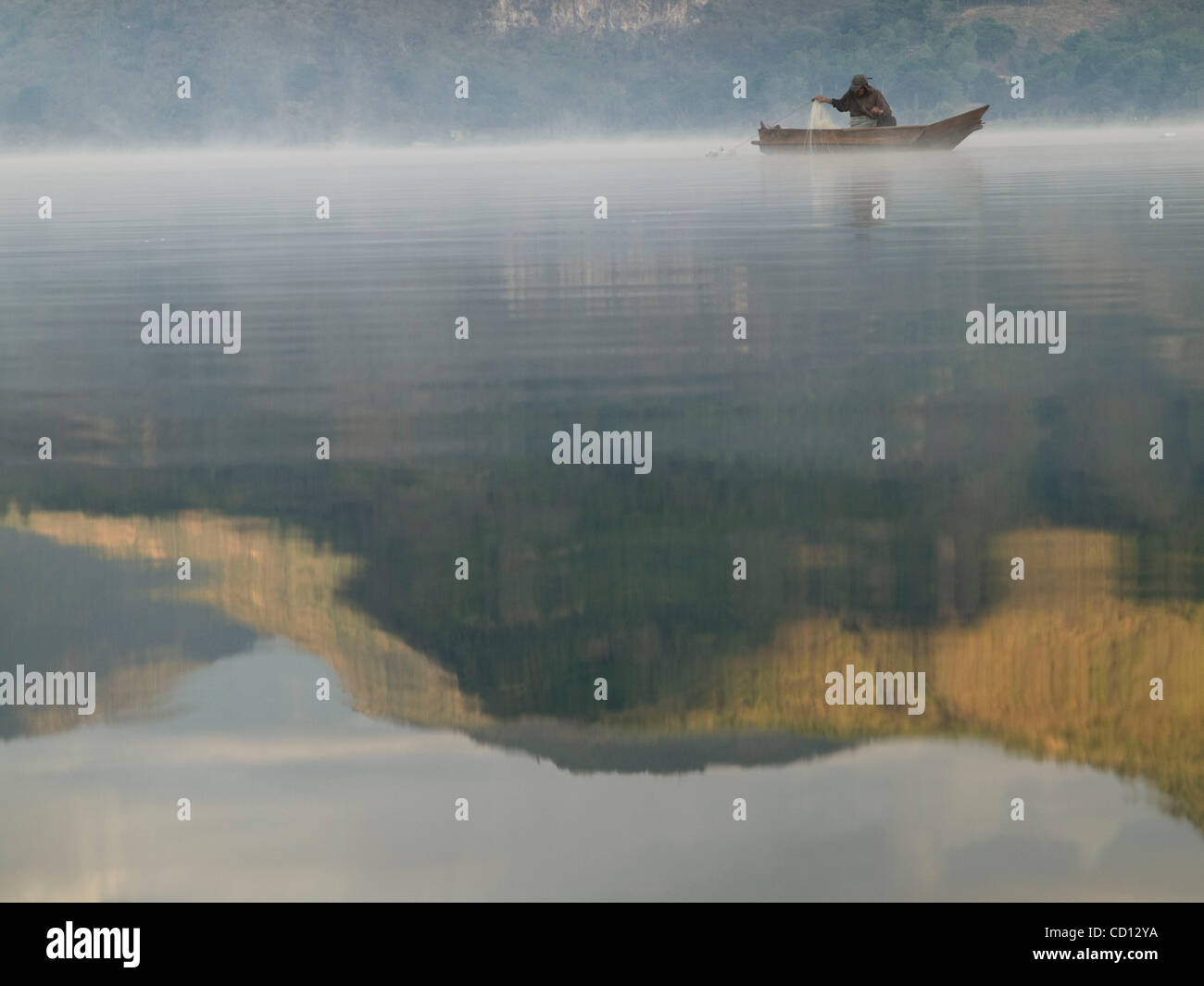 Fishermen on lake Atitlan in Santiago Atitlan, Guatemala - Stock Image