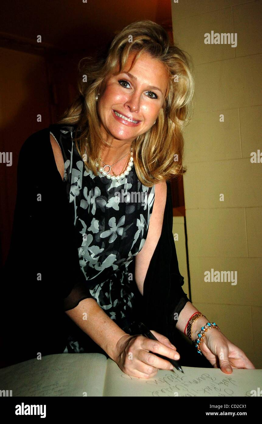 June 15, 2004 - New York, New York, U.S. - K37870JKRON.GEORGE LANG'S SURPRISE 80TH BIRTHDAY PARTY.AT CAFE DES - Stock Image