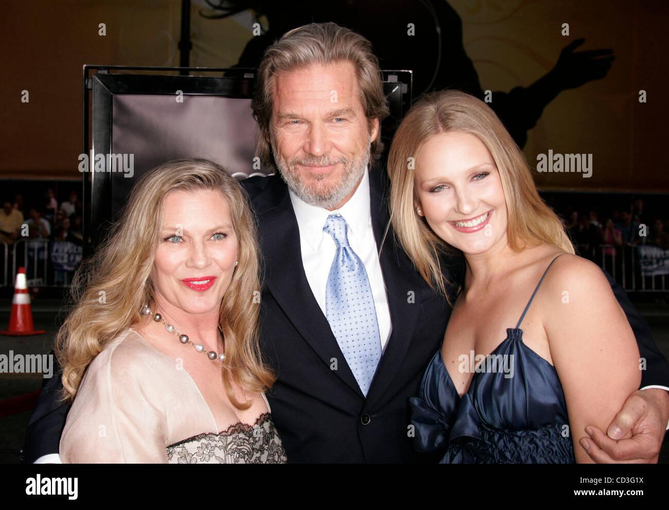 Apr 30, 2008 - Hollywood, California, USA - Actor JEFF ...