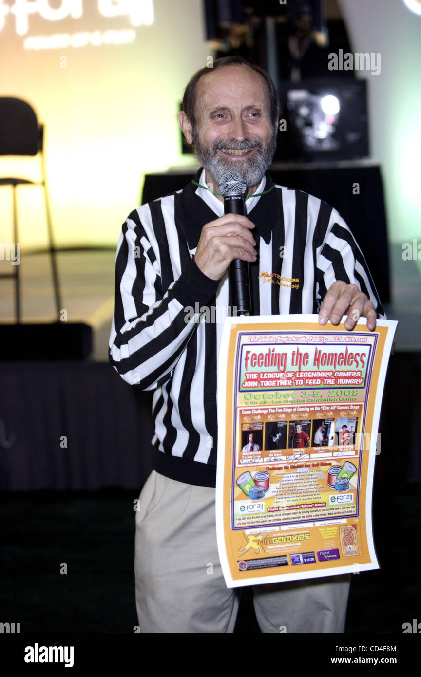 Walter Day, promoting a fundraiser called 'Feed the Homeless' sponsored by the League of Legendary Gamers, - Stock Image