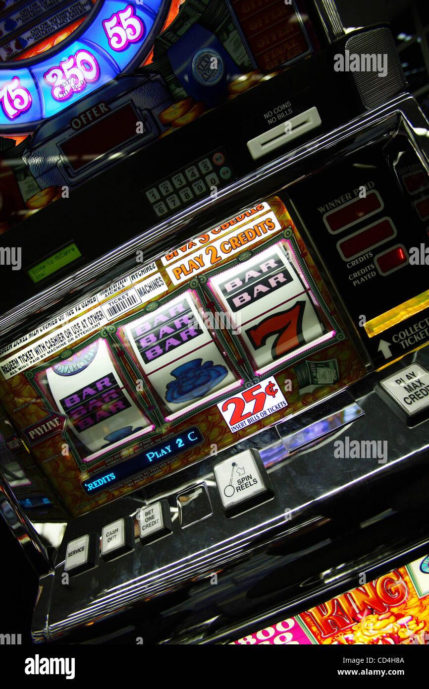 Vegas airport slot machine winner