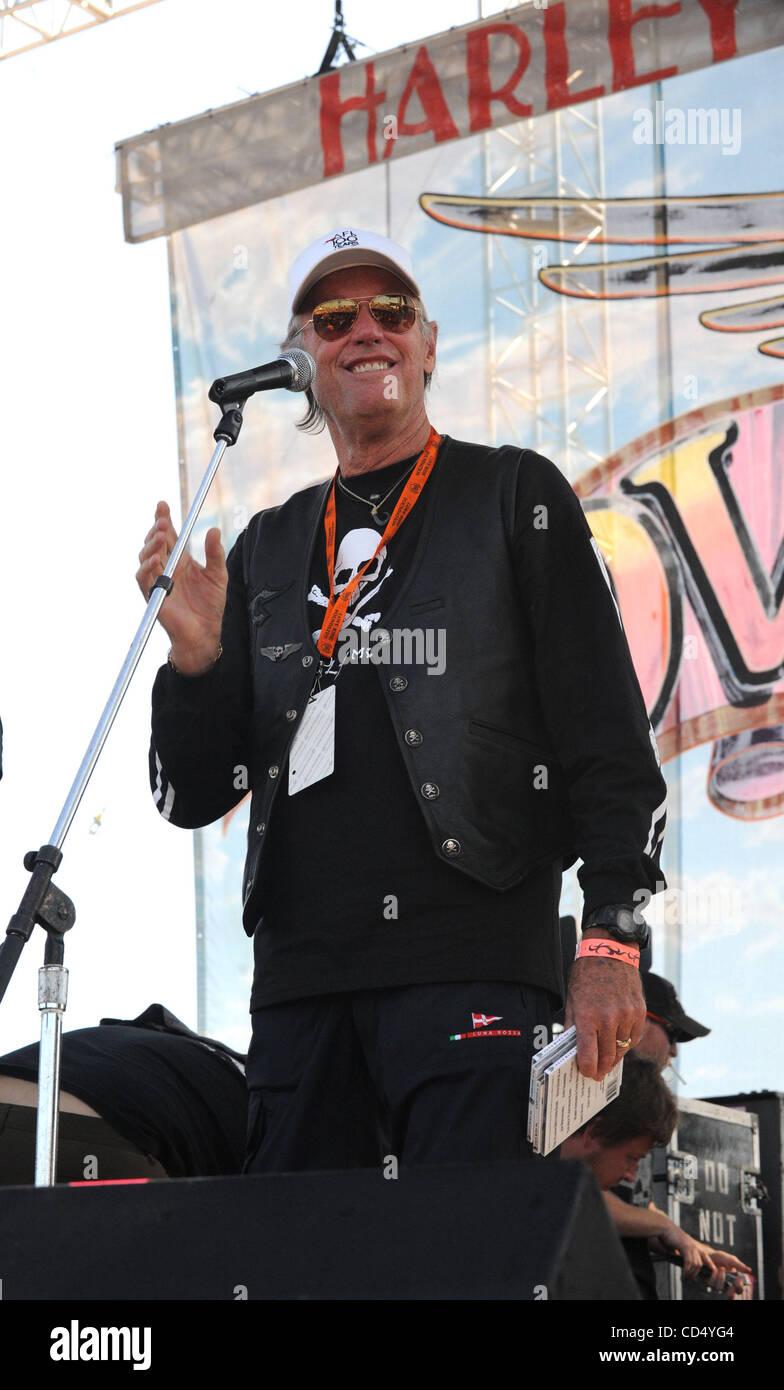 Oct 26, 2008-Pomona, California, USA-Actor PETER FONDA at Love Ride 25, Pomona Fairgrounds.  (Credit Image: cr Scott - Stock Image
