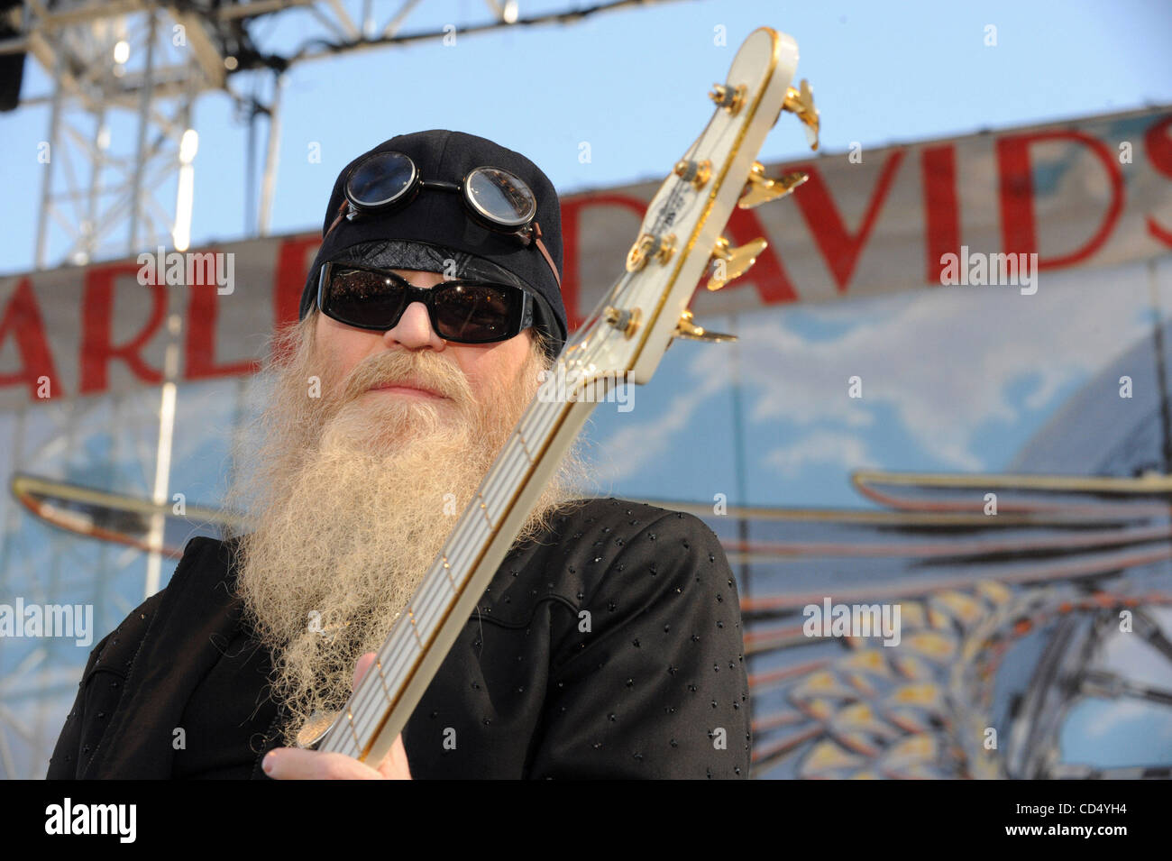 Oct 26, 2008-Pomona, California, USA-Musician DUSTY HILL of ZZ Top at Love Ride 25 held at the Pomona Fairgrounds. - Stock Image