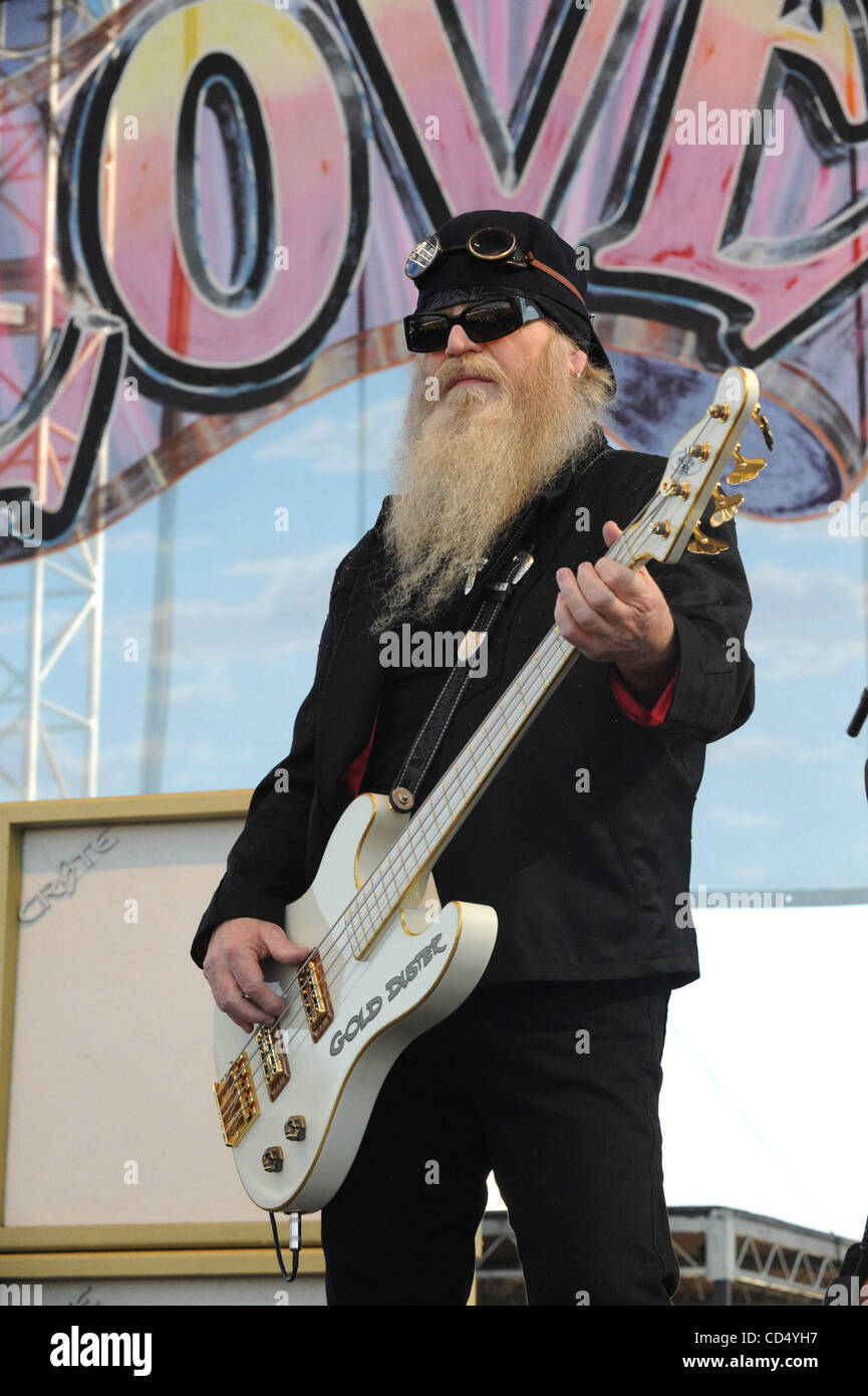 Oct 26, 2008-Pomona, California, USA-Musician DUSTY HILL of ZZ Top at the 2008 Love Ride 25 held at the Pomona Fairgrounds. - Stock Image