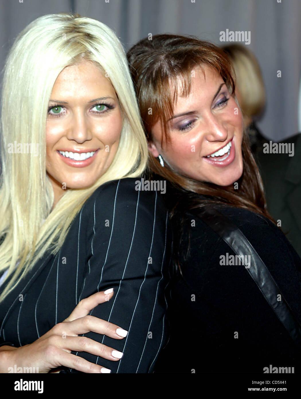 May 15, 2003 - New York, New York, U.S. - TORRIE WILSON AND STEPHANIE McMAHON.K30680RM.2003-2004 UPN UPFRONT PRESENTATION - Stock Image