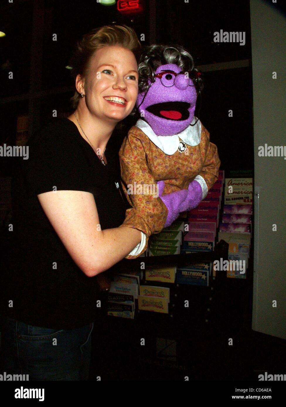 Kathleen Kirkham Sex gallery Amy Allen,Louise Carter