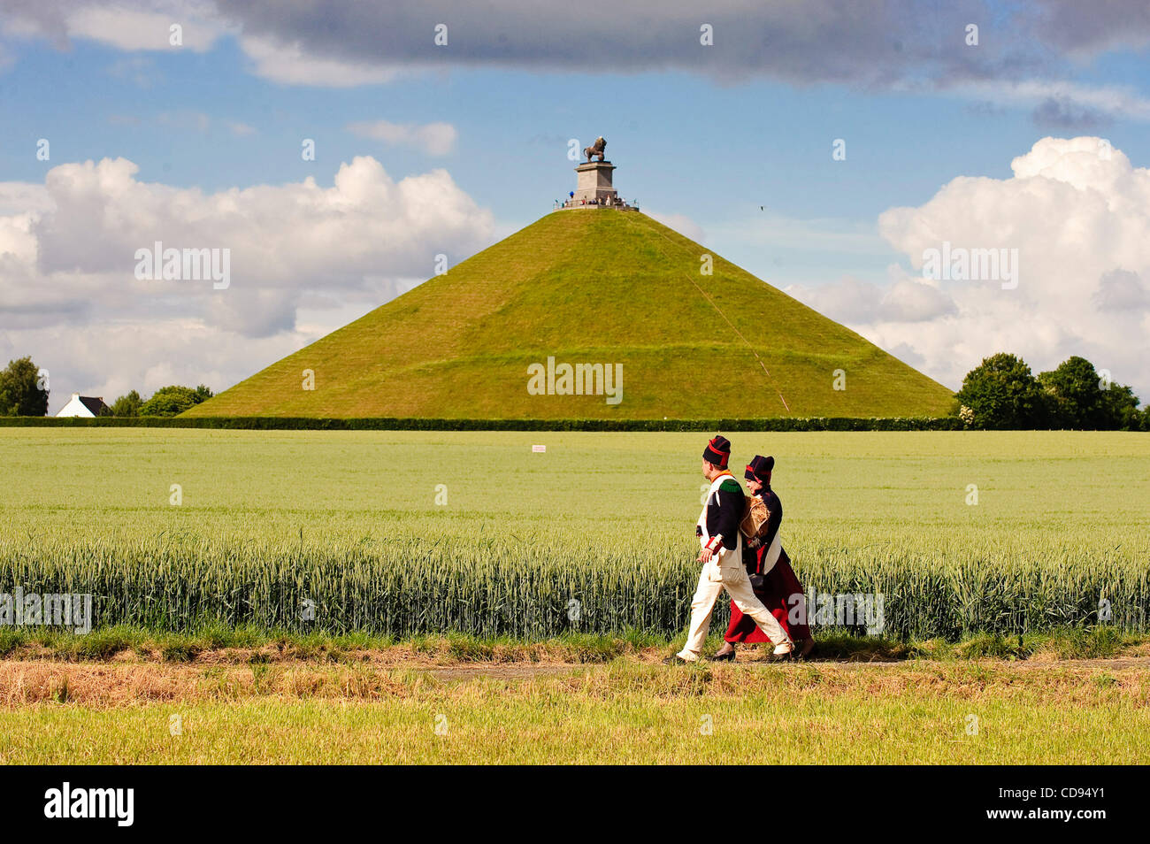 June 19, 2010 - Brussels, BXL, Belgium - Couple dressed up  during re-enactment of  the 1815 Battle of Waterloo - Stock Image