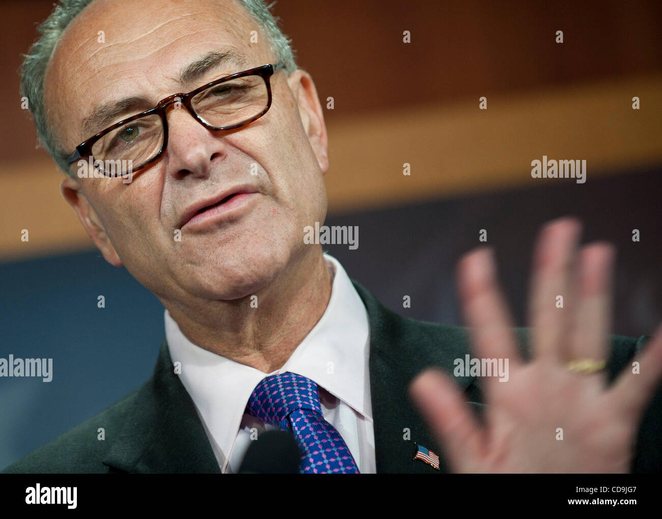 Jul 14, 2010 - Washington, District of Columbia, U.S., -  Senator Charles Schumer speaks to the press urging the - Stock Image