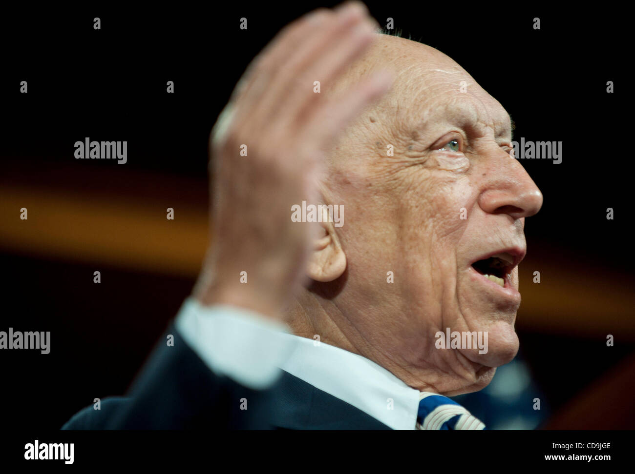 Jul 14, 2010 - Washington, District of Columbia, U.S., -  Senator Frank Lautenberg speaks to the press urging the - Stock Image