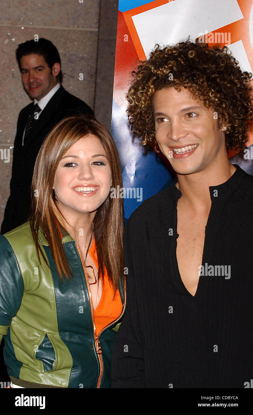 Kelly Clarkson dating Justin