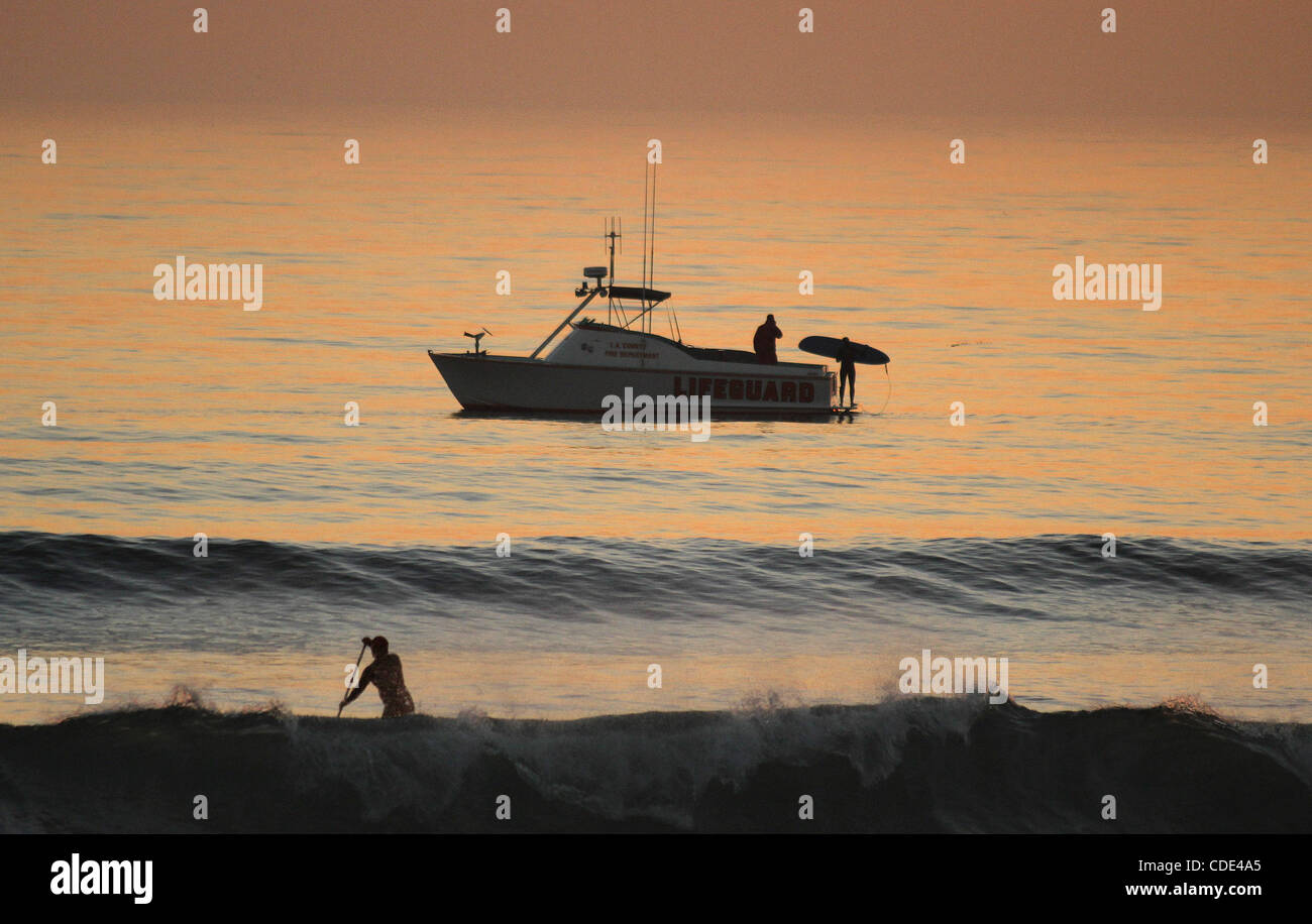 ef09bee078ab Los Angeles County Lifeguard Boat Stock Photos   Los Angeles County ...