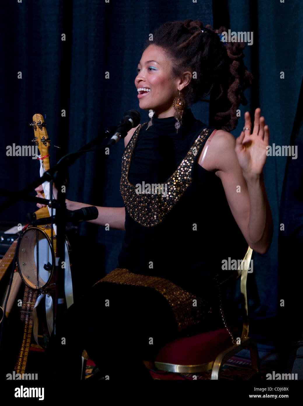 Feb.17, 2011 - Memphis, Tennessee, USA - VALERIE JUNE performs at the 2011 International Folk Alliance Conference. - Stock Image
