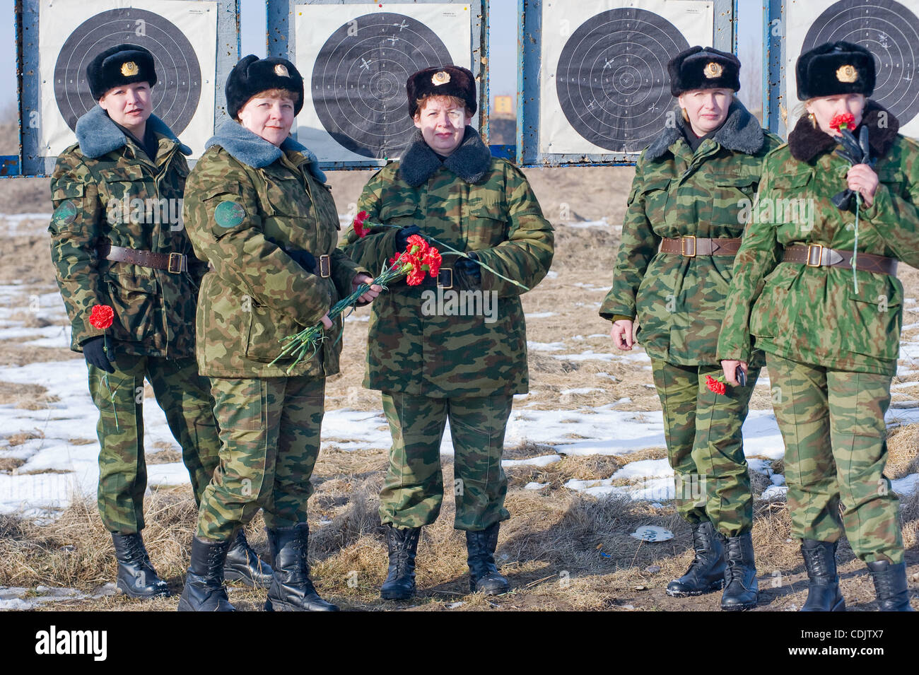 Women - soldiers of Russian Army at the shooting range of Khmelyovka military base in Kaliningrad region of Russia. - Stock Image