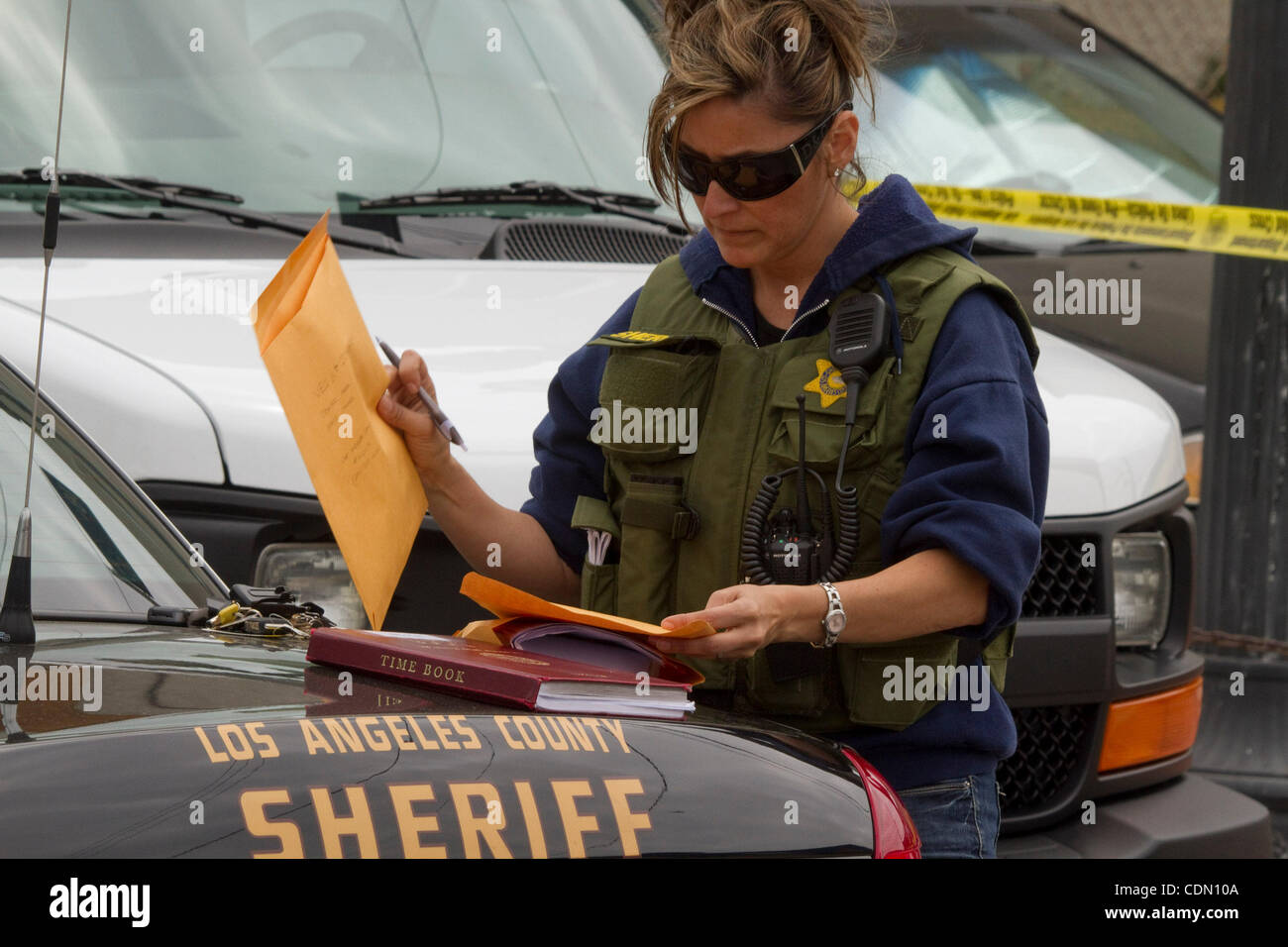 Apr  20, 2011 - Los Angeles, California, U S - A Los Angeles Sheriff