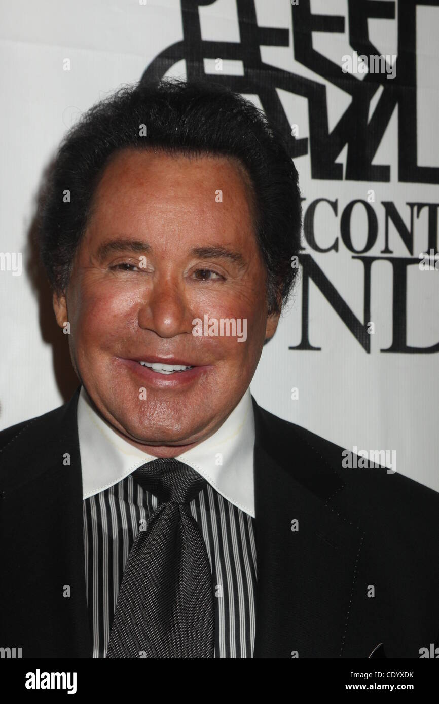 Sept. 26, 2011 - New York, New York, U.S. - WAYNE NEWTON.The Buoniconti fund hosts star studded 26th annual Great - Stock Image