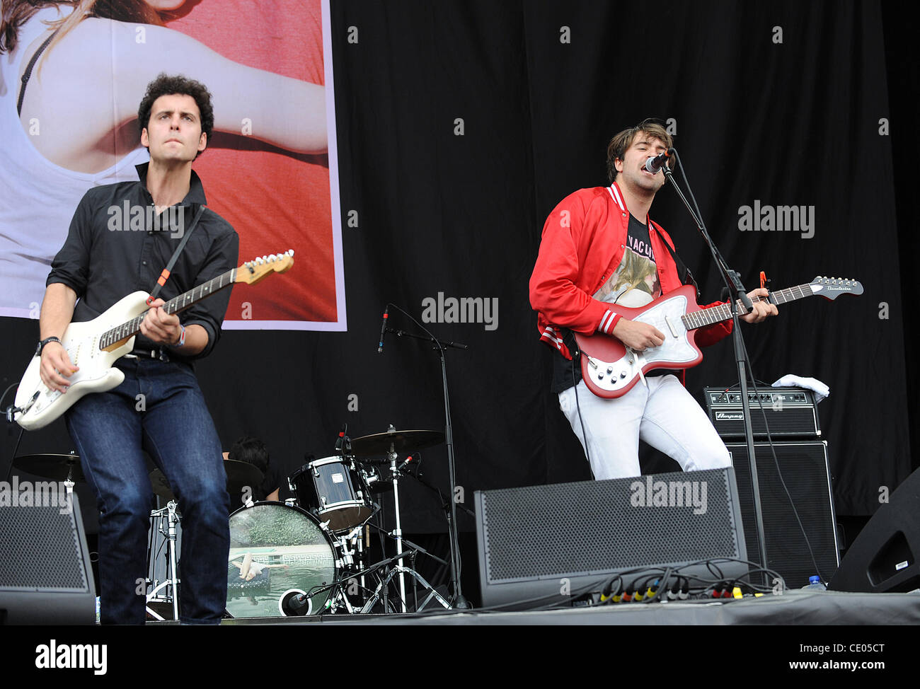 Aug 5, 2011 - Chicago, Illinois; USA - Musician JUSTIN YOUNG and Guitarist FREDDIE COWAN of the band The Vaccines - Stock Image