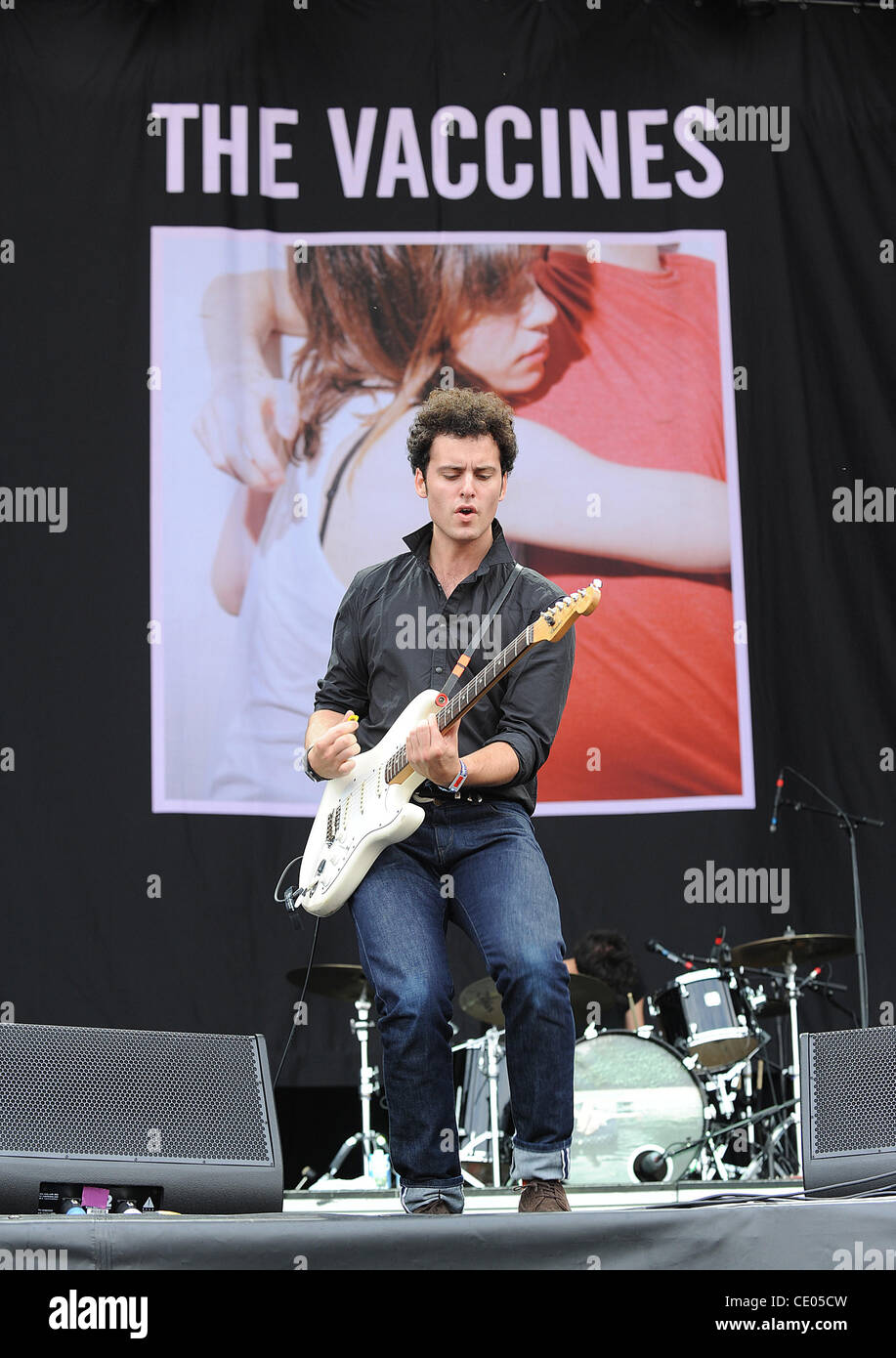Aug 5, 2011 - Chicago, Illinois; USA - Guitarist FREDDIE COWAN of the band The Vaccines performs live as part of - Stock Image