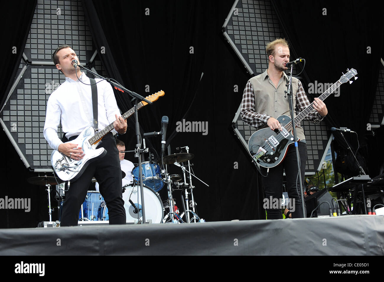 Aug 5, 2011 - Chicago, Illinois; USA - Singer / Guitarist HARRY McVEIGH and Bass Guitarist CHARLES CAVE of the band - Stock Image