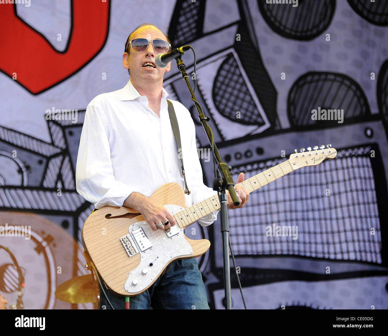 Aug 6, 2011 - Chicago, Illinois; USA - Singer / Guitarist MICK JONES of the band Big Audio Dynamite performs live - Stock Image