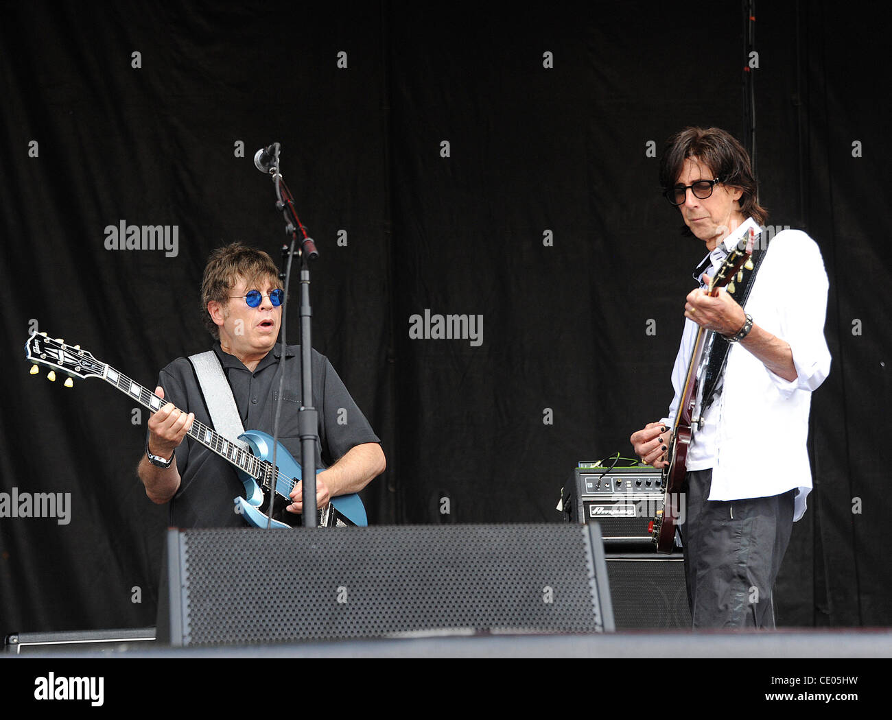Aug 7, 2011 - Chicago, Illinois; USA - Musician RICK OCASEK and Guitarist ELLIOT EASTON of The Cars performs live - Stock Image