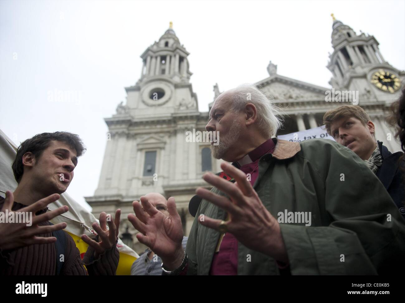 Oct. 30, 2011 - London, England, UK - Bishop of London RICHARD CHARTRES speaks to protestors outside St. Paul's - Stock Image
