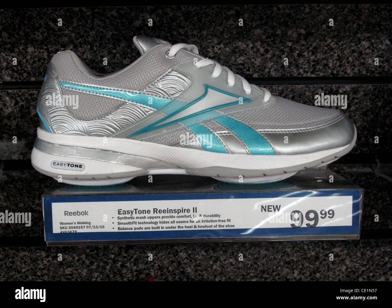 b696c99f92205 reebok shoes 2011