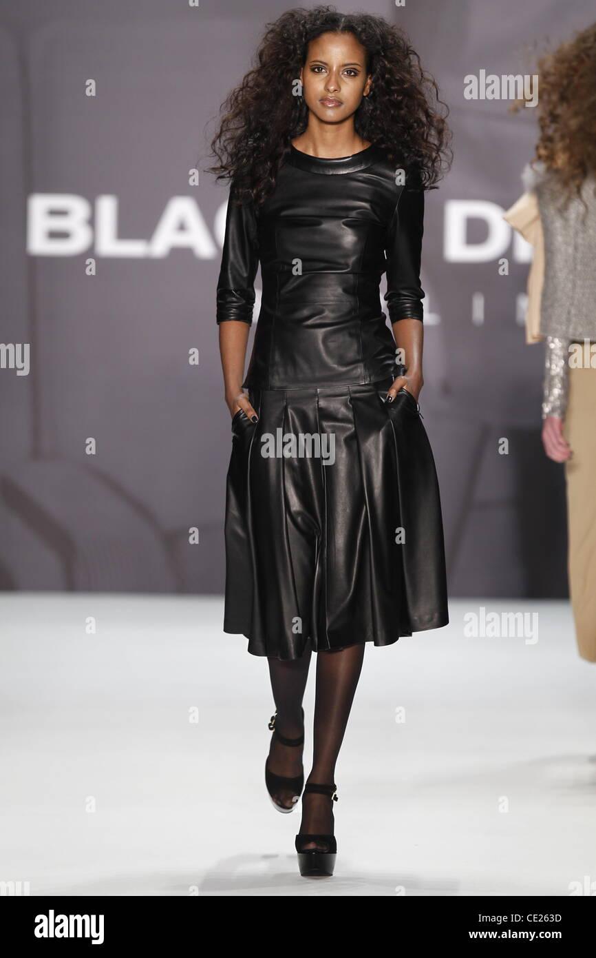 promo code af6a6 54466 Sara Nuru - Catwalk - Blacky Dress fashion show at Mercedes ...