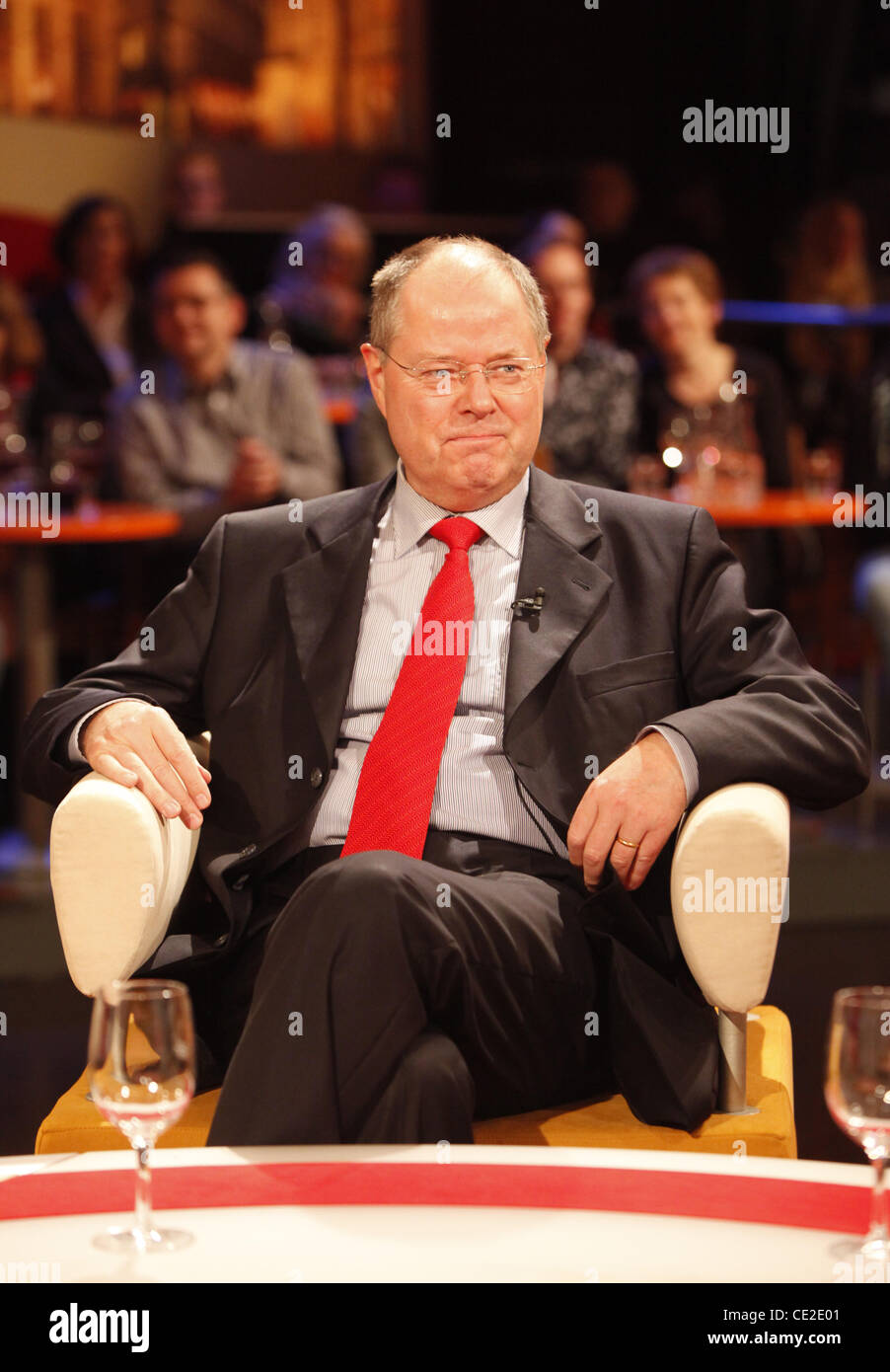 Peer Steinbrueck on German talkshow '3 nach 9'. Bremen, Germany - 29.10.2010 - Stock Image