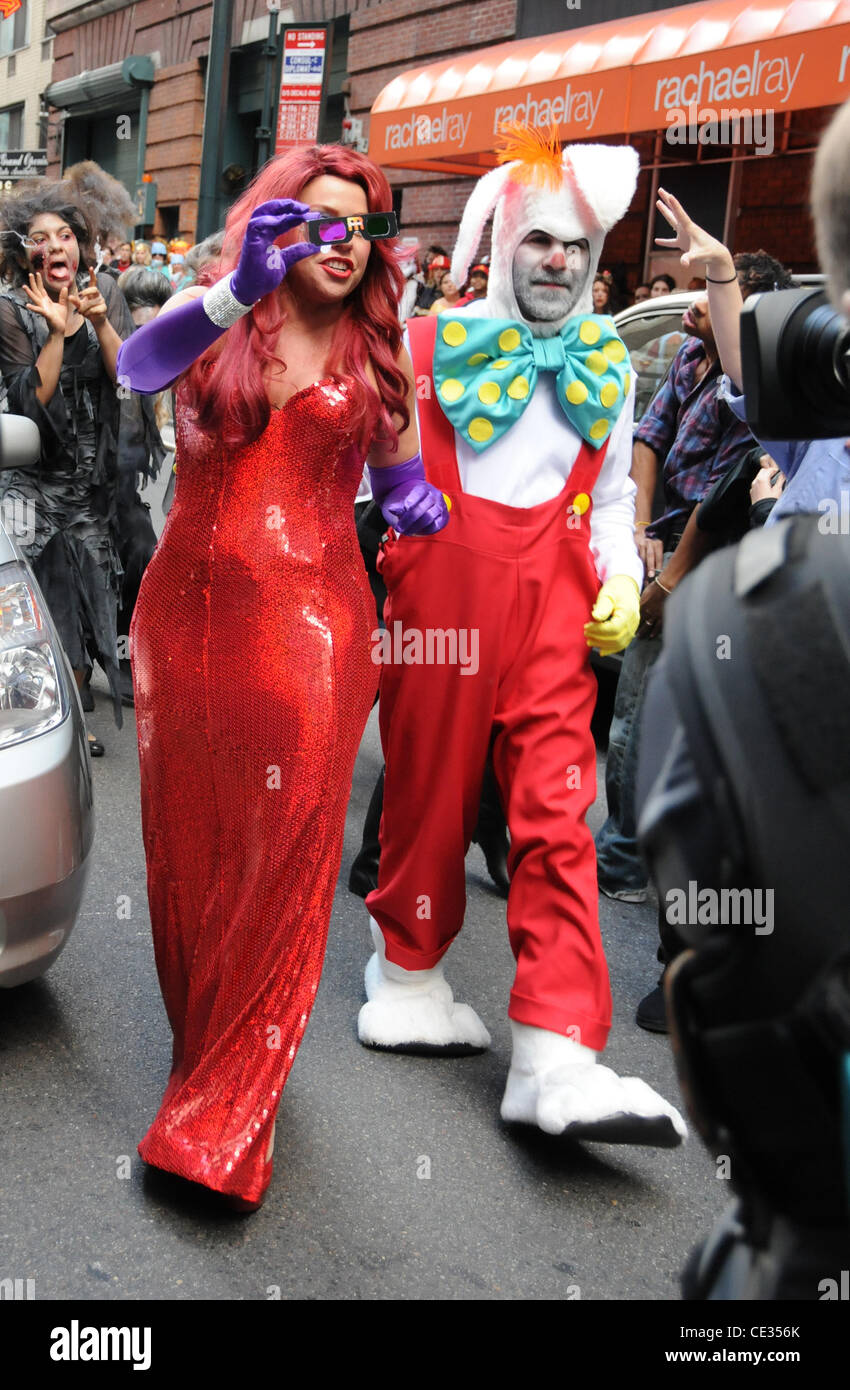 Rachael Ray and her husband John Cusimano dress as Jessica Rabbit and Roger Rabbit and pose  sc 1 st  Alamy & Roger Rabbit Stock Photos u0026 Roger Rabbit Stock Images - Alamy