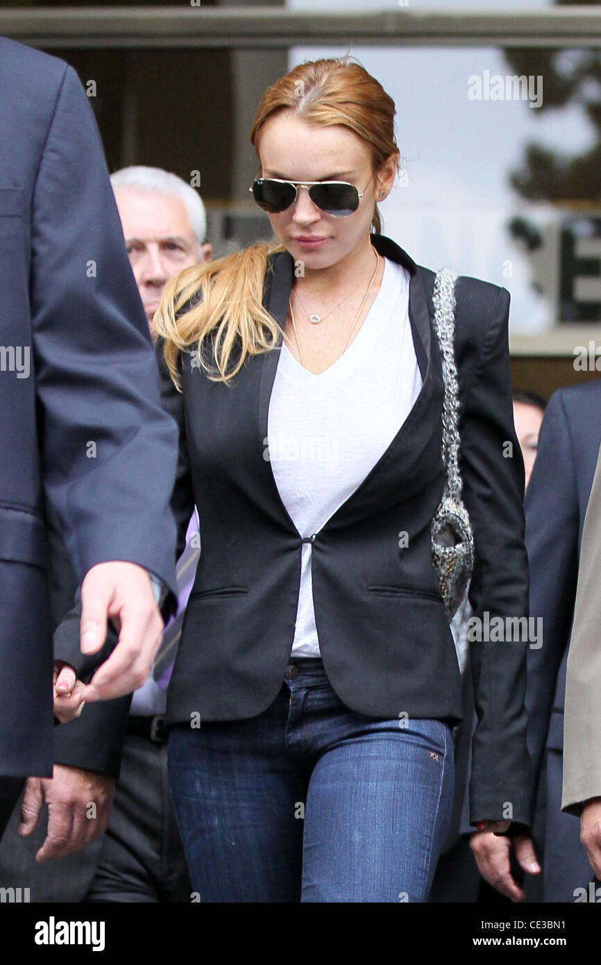 LOHAN GETS BREAK FROM JAIL, ORDERED TO REHAB LINDSAY LOHAN has escaped further jail time and has been ordered to - Stock Image