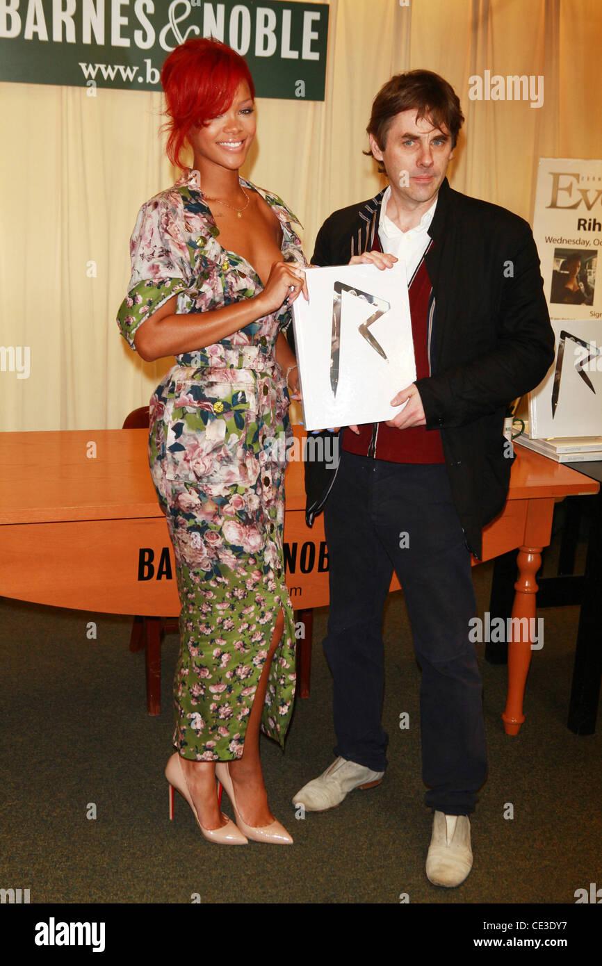 Rihanna and Simon Henwood Rihanna signs copies of 'Rihanna: Rihanna' at Barnes & Noble, 5th Avenue New - Stock Image