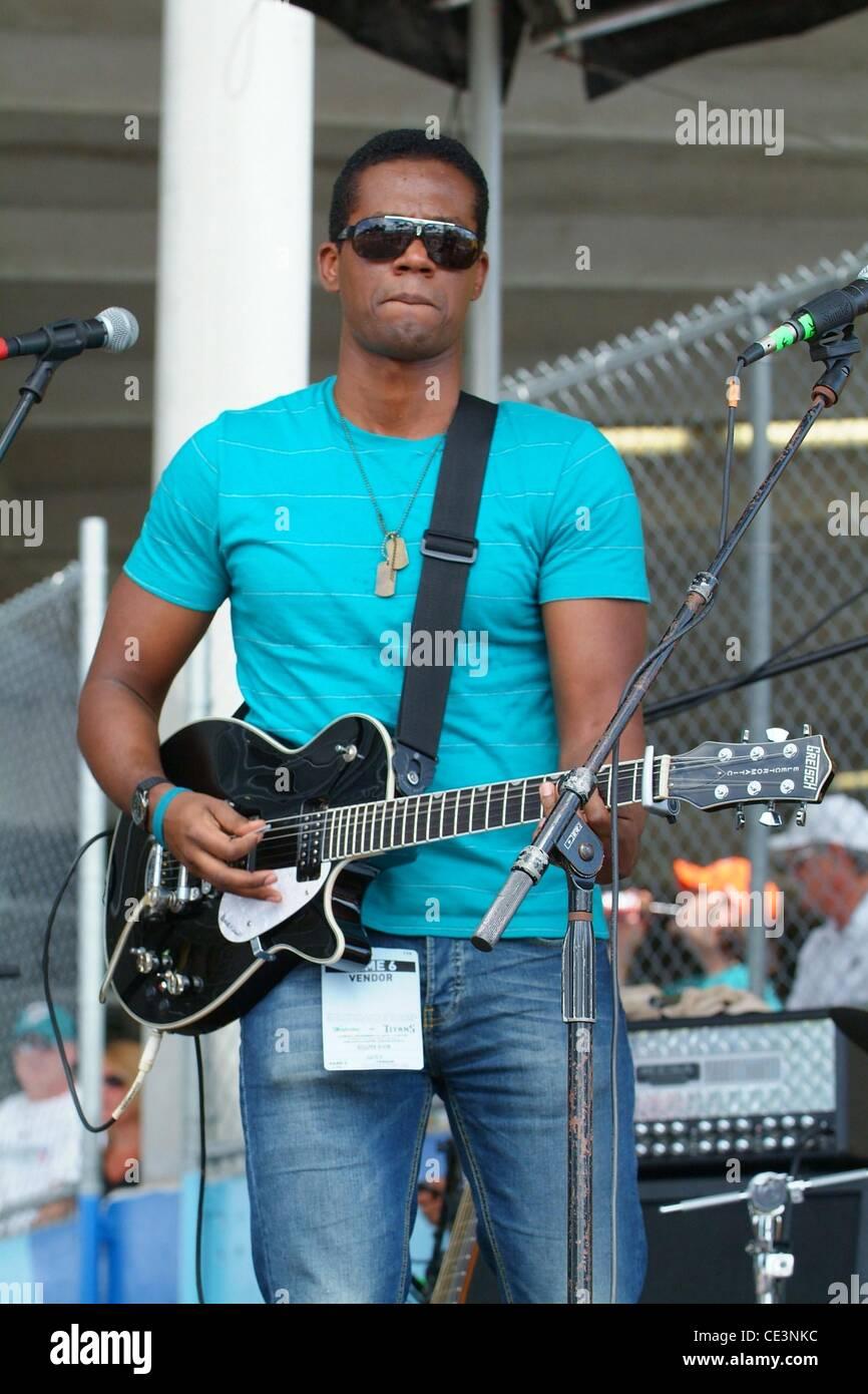 Ilo Ferreira  performs at the Miami Dolphins Tailgate Concert held at the Sun Life Stadium. Miami, Florida - 14.11.10 - Stock Image
