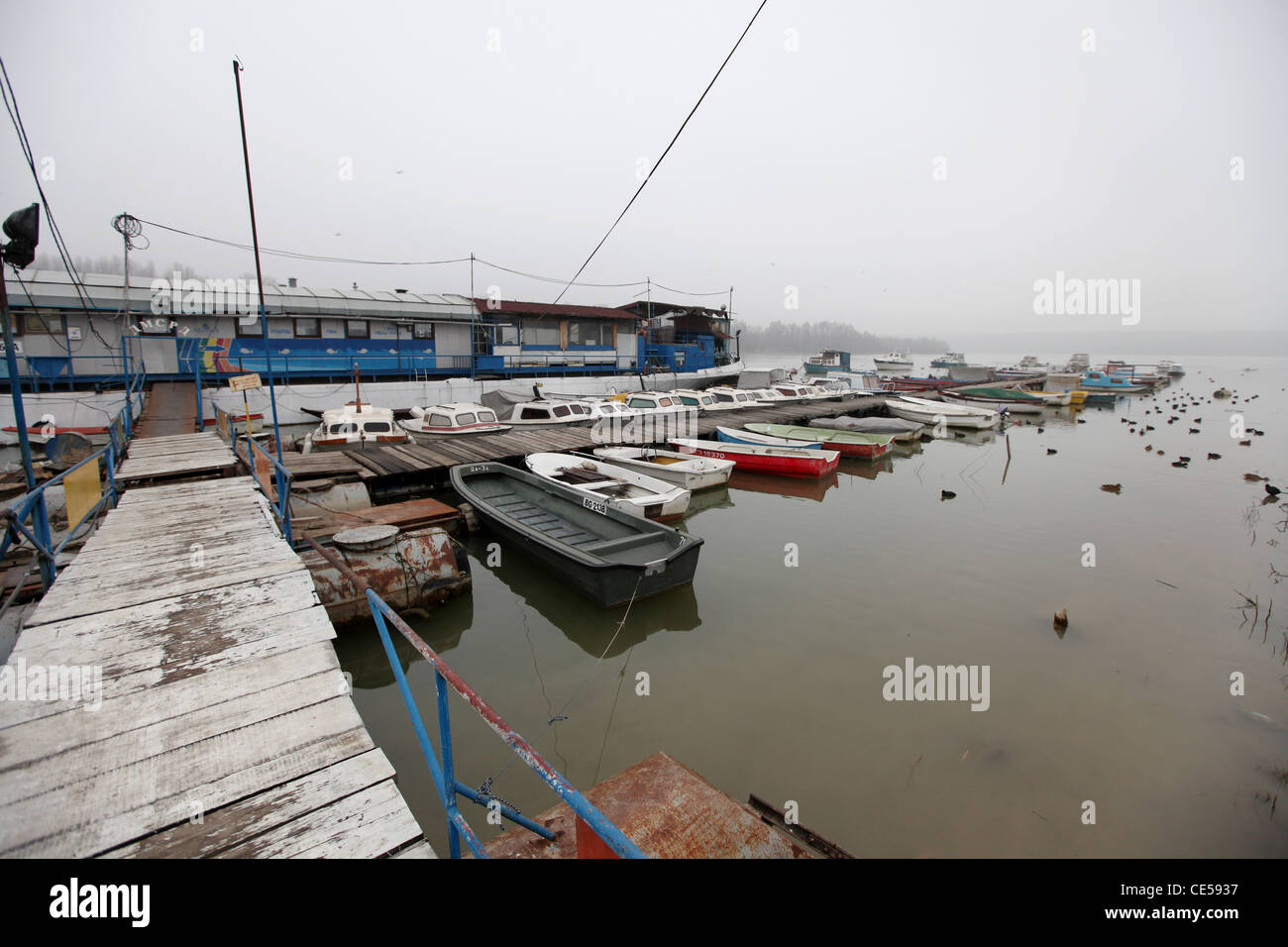 House boat and swimming bar with restaurant at the confluence of the Sava and Danube river in the city of Belgrade, - Stock Image