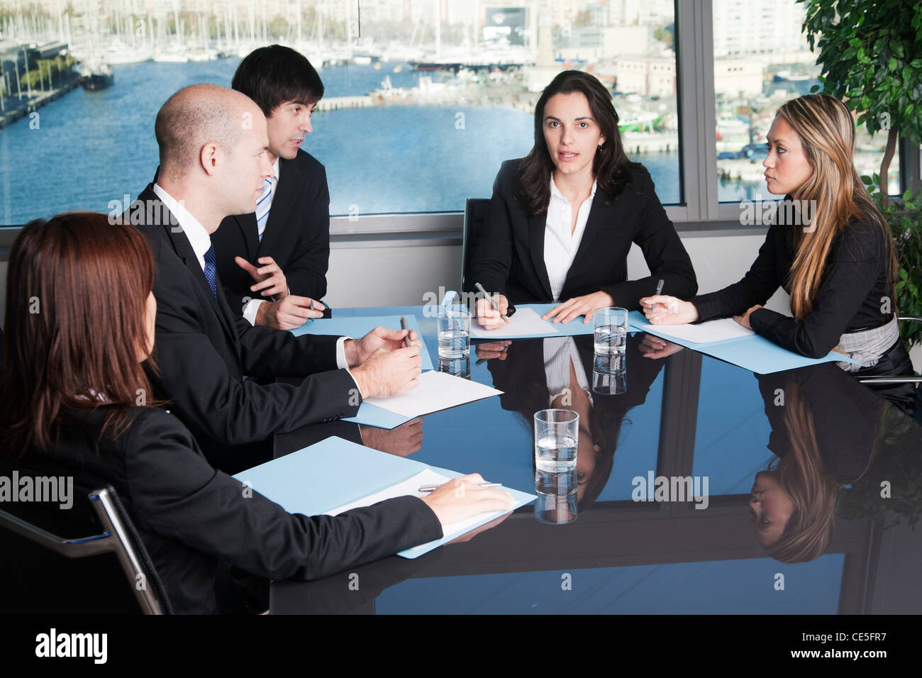 Lawyers negotiating in litigation - Stock Image