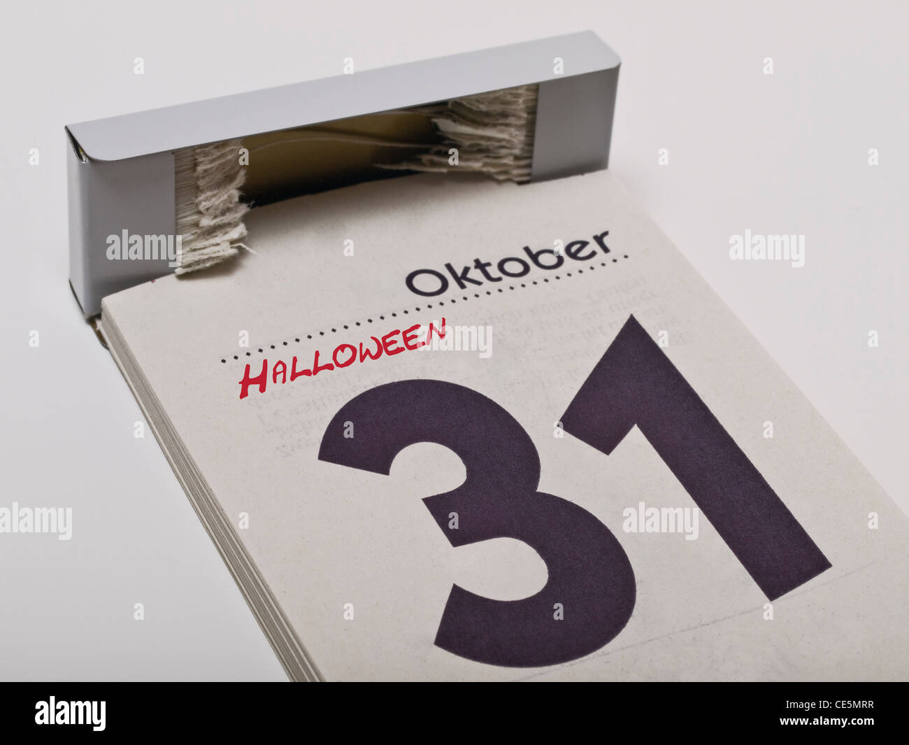 Ein Kalender zeigt den 31. Oktober, Halloween, an | A calendar shows October 31st, Halloween - Stock Image