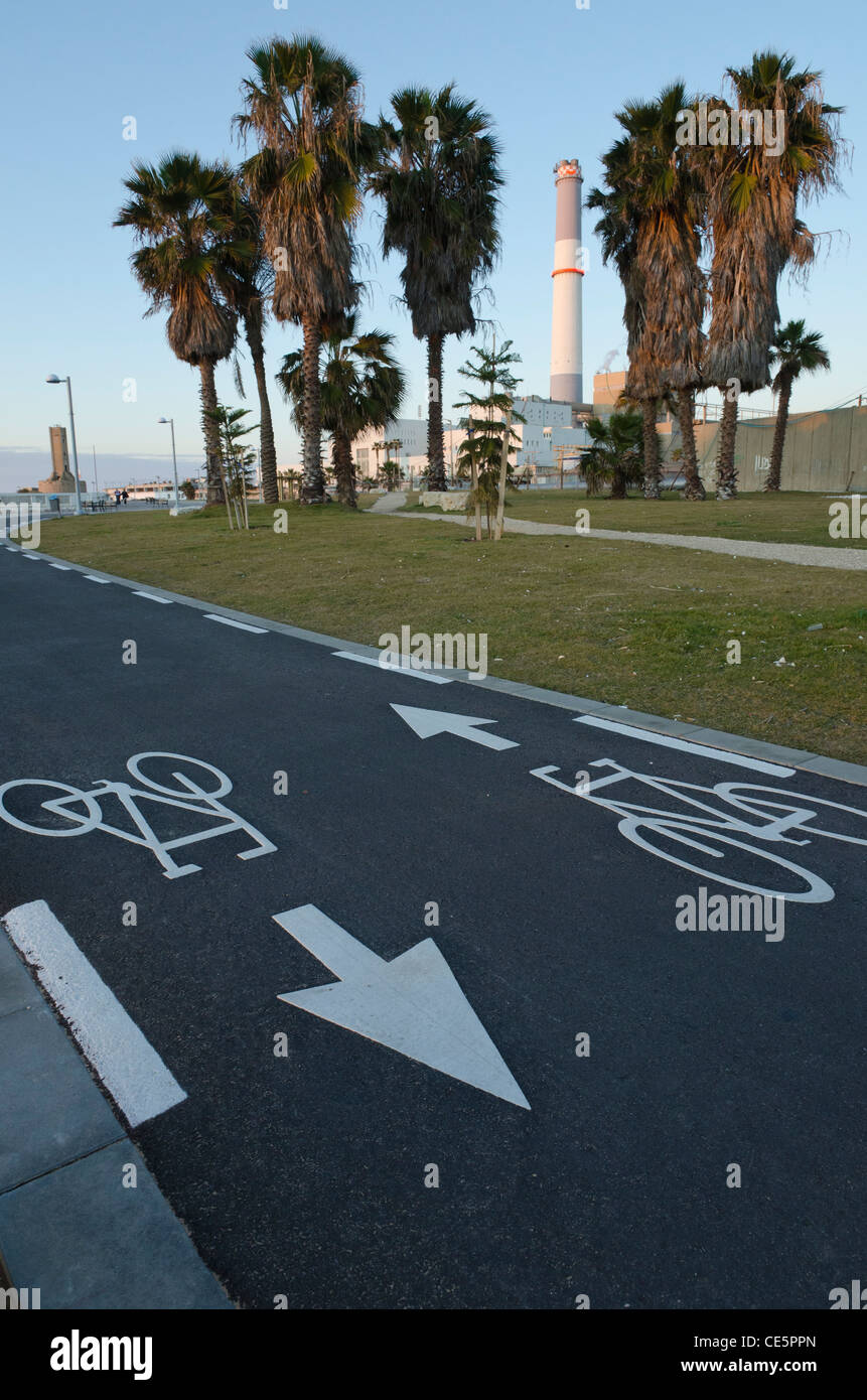 bicycle lanes in public park near reading electrical plant. Tel aviv. israel - Stock Image