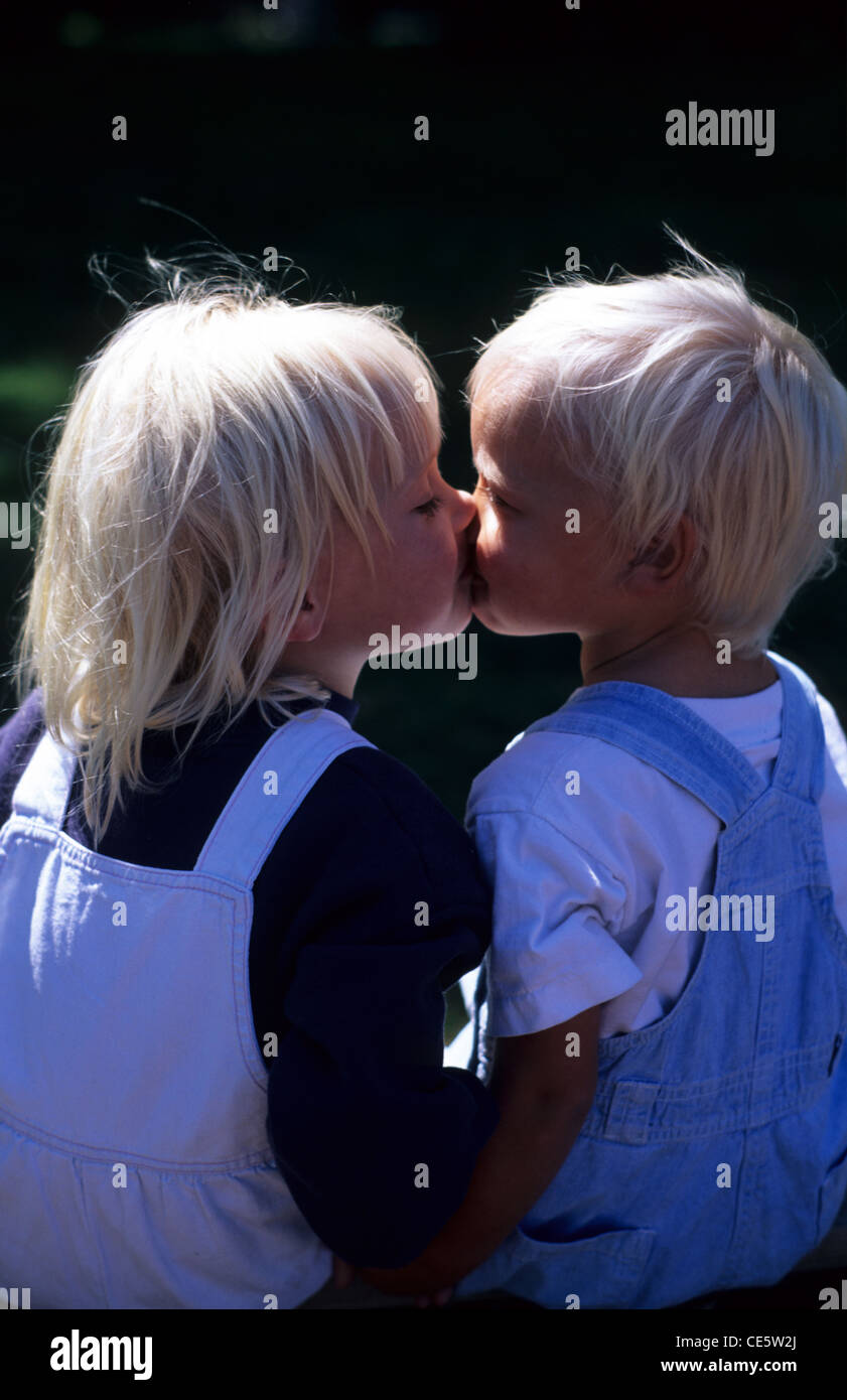 Sisters Kissing Stock Photos  Sisters Kissing Stock Images - Page 2 - Alamy-6484
