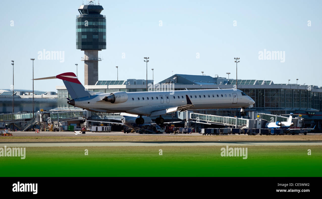 Twin-jet Boeing MD-80 Commercial Airplane landing in Vancouver - Stock Image