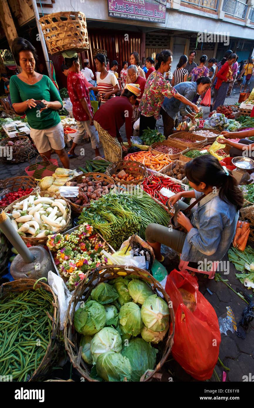 Bangles at Ubud Markets, Bali Indonesia - Stock Image