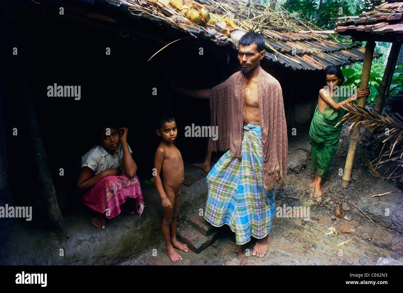 Family of jute mill worker Calcutta kolkata West Bengal India - Stock Image
