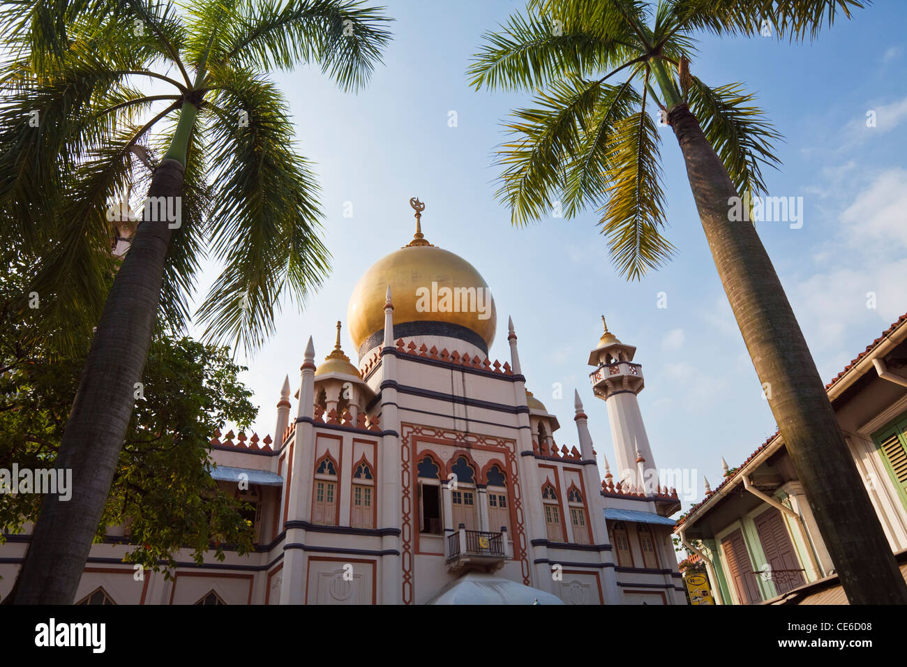 The Sultan Mosque in the Muslim quarter of Kampong Glam, Singapore - Stock Image
