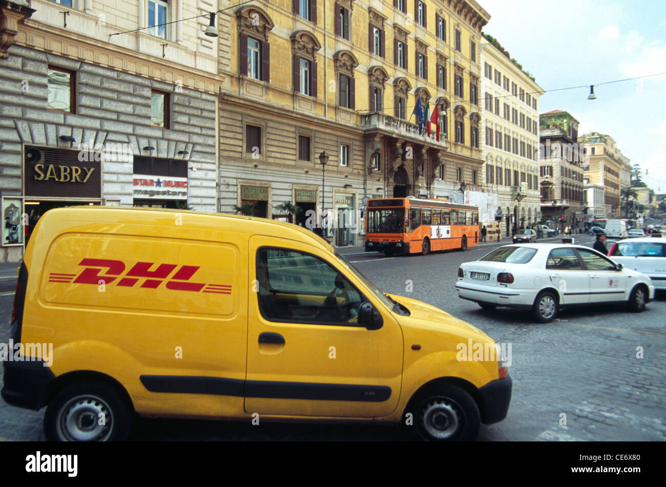 Dhl Pickup Locations >> Hma 85477 Dhl Couriers Pickup And Delivery Van Rome Italy Europe
