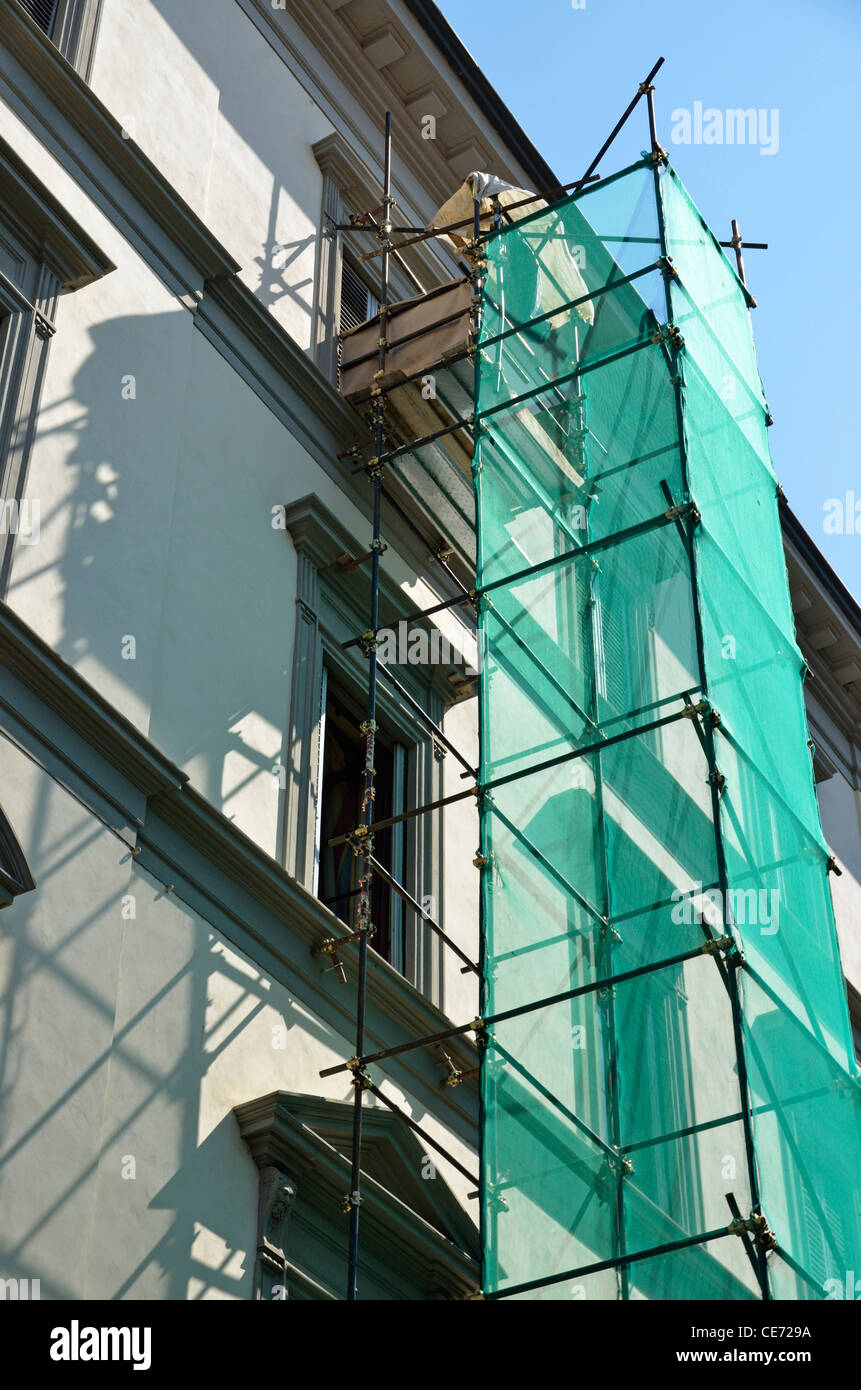 Building and scaffolding, Florence, Tuscany, Italy - Stock Image