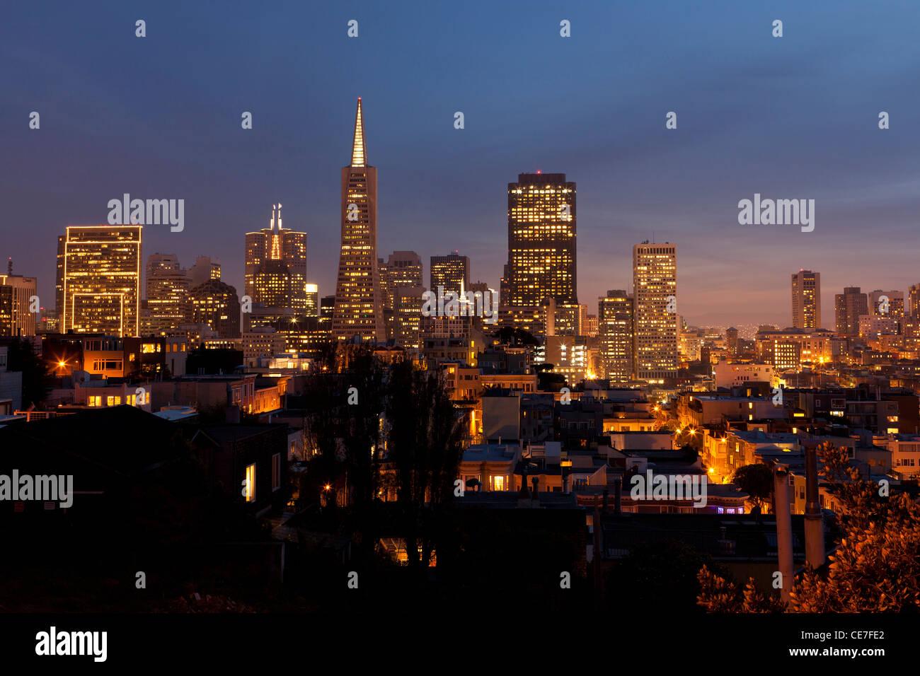Nighttime San Francisco skyline - Stock Image