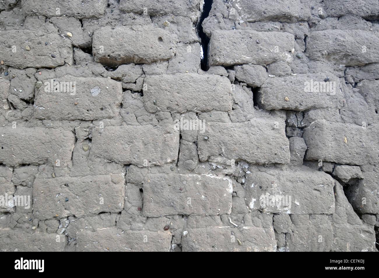 Old mud-brick wall of house, Patagonia, Argentina - Stock Image